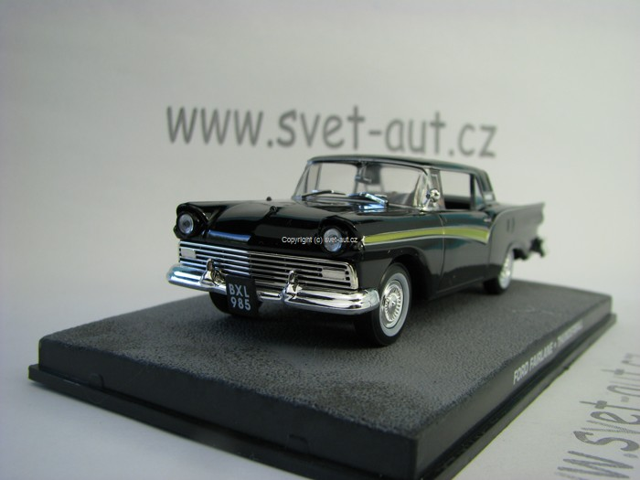 Ford Fairlane Thunderball James Bond 007 1:43 Universal Hobbies