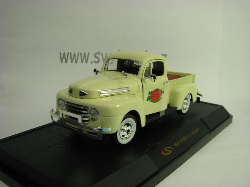 Ford F-1 Pickup 1949 Tomato boxes 1:32 Signature Models