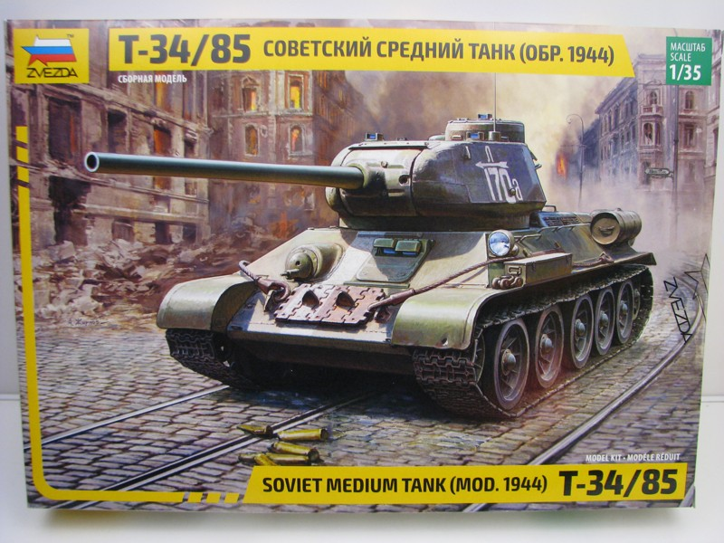 Soviet medium tank T-34/85 model 1944 stavebnice 1:35 Zvezda 3687