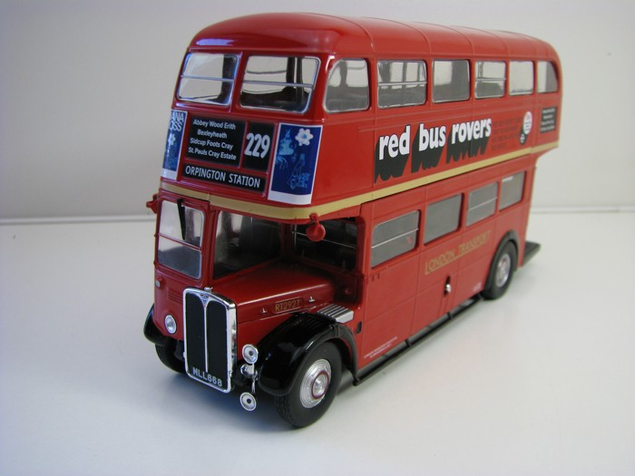Autobus AEC Regent III RT London Bus 1947-79 Red 1:43 Atlas