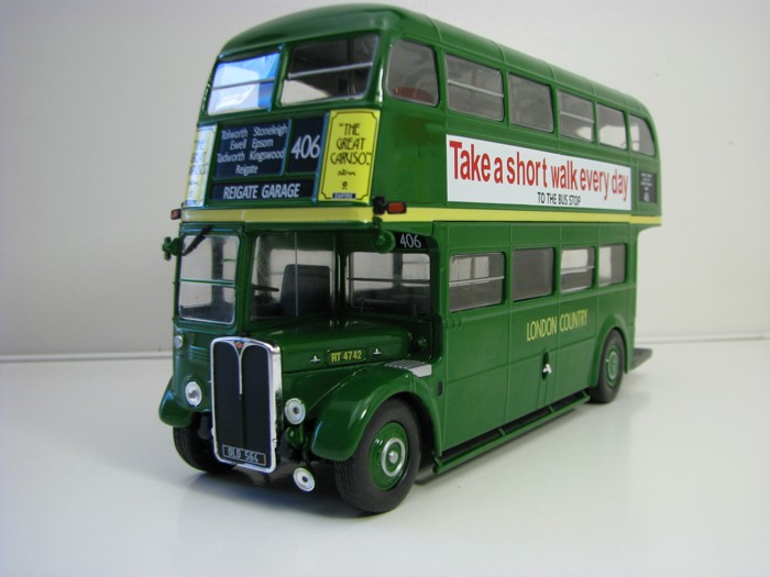 Autobus AEC Regent III RT London Country Green 1947-79 Red 1:43 Atlas