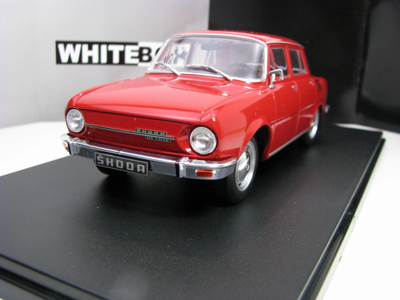 Škoda 100L 1974 Red 1:24 White Box WB124048