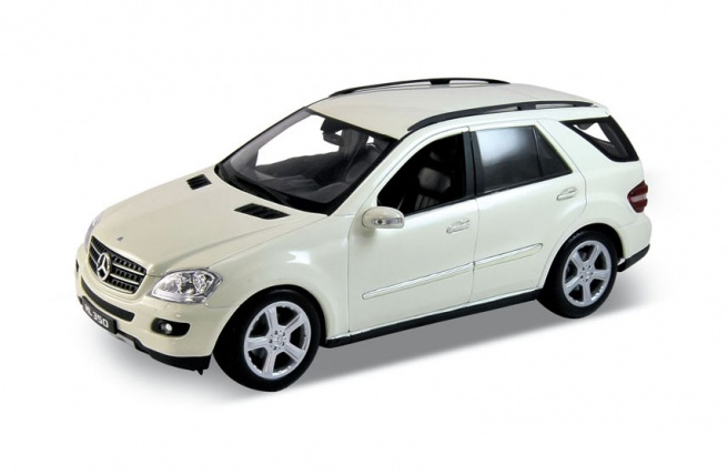 Mercedes ML350 white 1:18 Welly