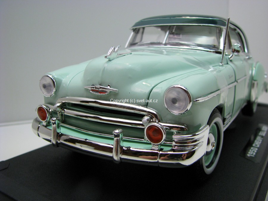 Chevrolet Bel Air Coupé 1950 Green 1:18 Motor Max