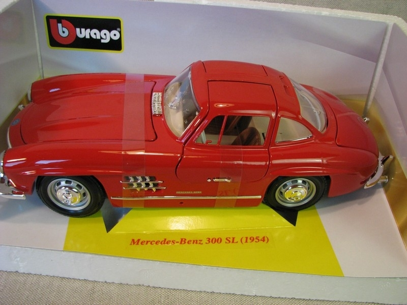 Mercedes-Benz 300SL 1954 Red 1:18 Bburago