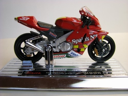 Honda RC211V 2006 No.33 1:18 Mondo Motors