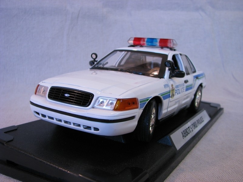 Ford Crown Victoria Abbotsford Police 1:18 Motor Max