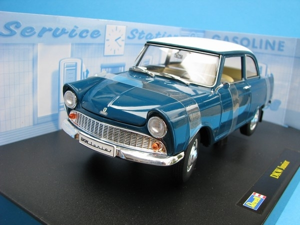 DKW Junior green 1:18 Revell