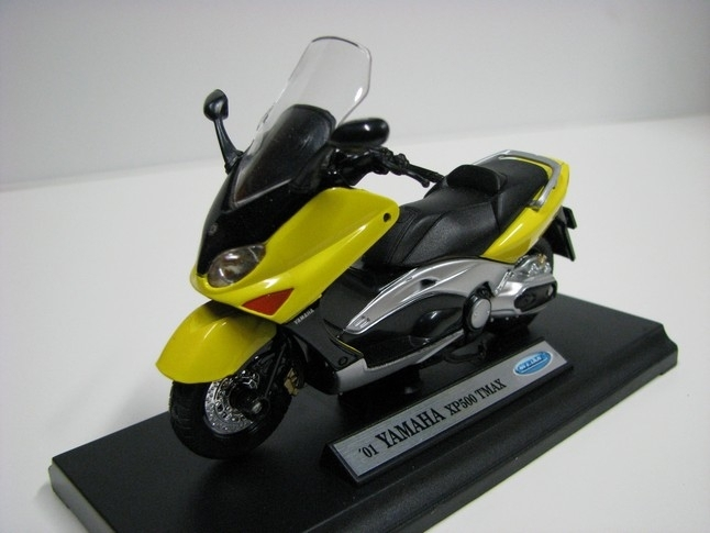 Yamaha XP500 TMAX 1:18 Welly