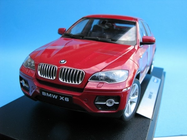 BMW X6 red metallic 1:18 Welly