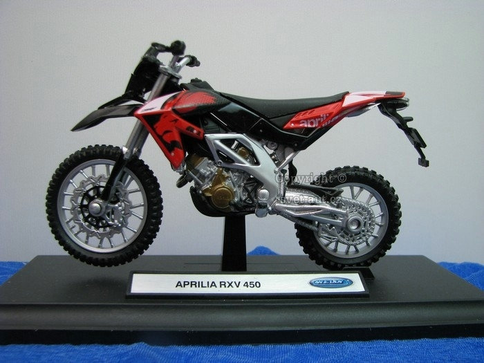 Aprilia RXV 450 Red 1:18 Welly