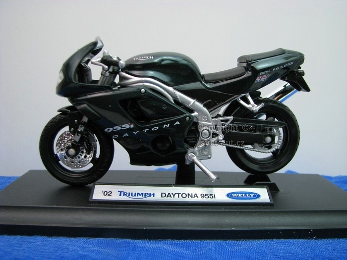 Triumph Daytona 955i 2002 Green 1:18 Welly