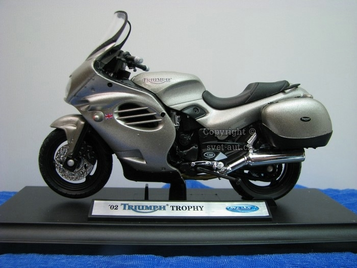 Triumph Trophy 2002 Silver 1:18 Welly