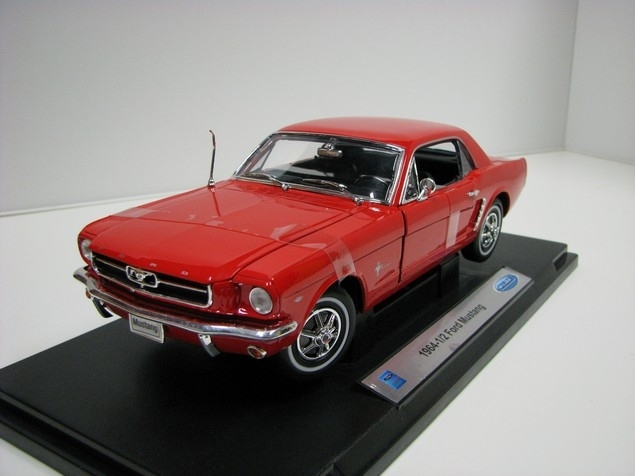 Ford Mustang Coupé 1964 1/2 Red 1:18 Welly