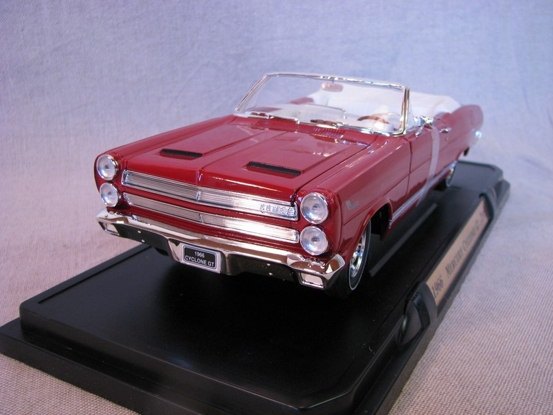 Mercury Cyclone GT 1966 Red 1:18 Yat Ming
