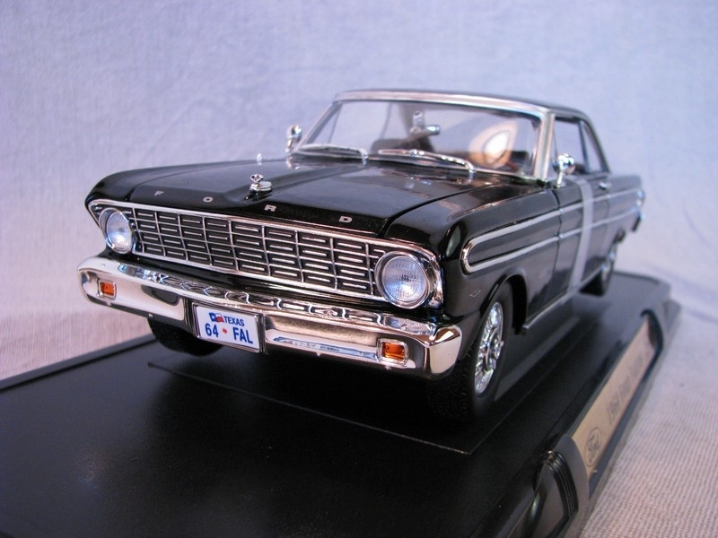 Ford falcon 1964 Black 1:18 Yat Ming