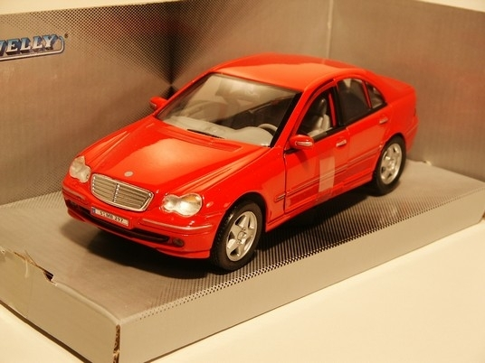 Mercedes C Class Red 1:24 Welly
