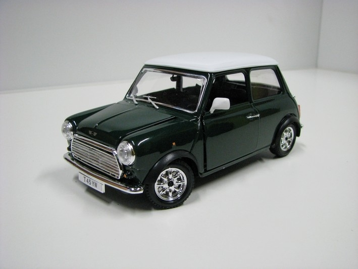 Mini Cooper 1969 green 1:24 Bburago