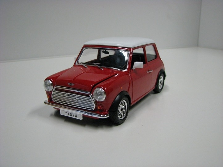 Mini Cooper 1969 red 1:24 Bburago