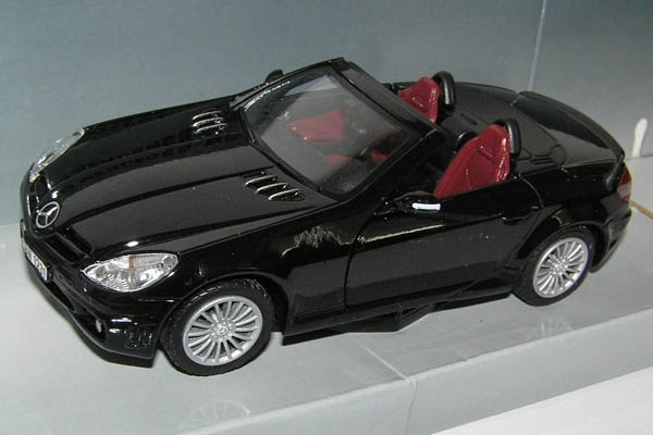 Mercedes-Benz SLK 55 AMG black 1:24 MM