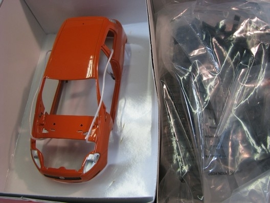 Fiat Grande Punto Orange 1:24 KIT Mondo Motors