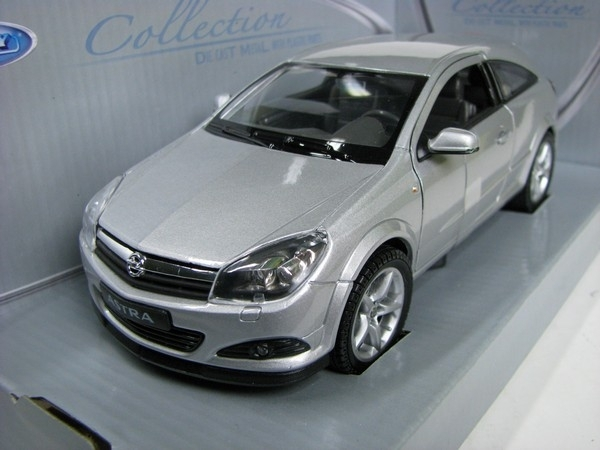 Opel Astra GTC 2005 silver 1:24 Welly