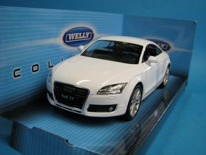 Audi TT coupe white 1:24 Welly