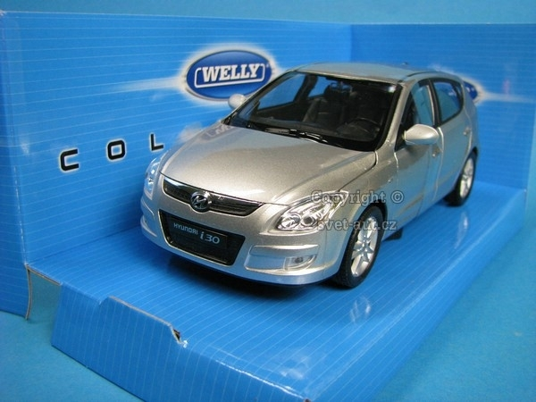 Hyundai i30 silver 1:24 Welly