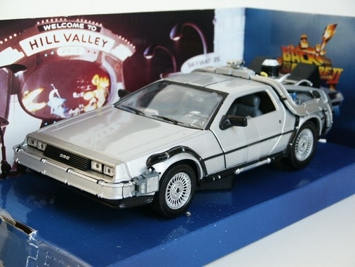 Delorean Time Machine 2 1:24 Welly
