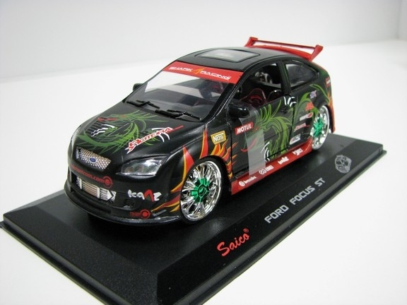 Ford Focus ST Shark Racing 1:32 Saico