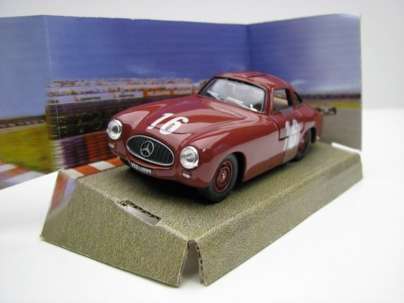 Mercedes-Benz 300SL Roadster Prototype no.16 purple 1:43 Cararama