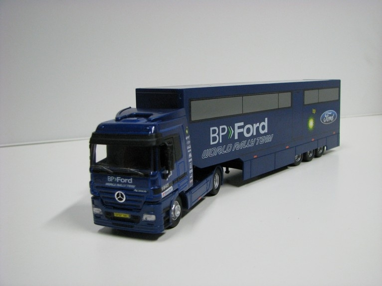 Mercedes-Benz Actros BP Ford 1:64 Saico