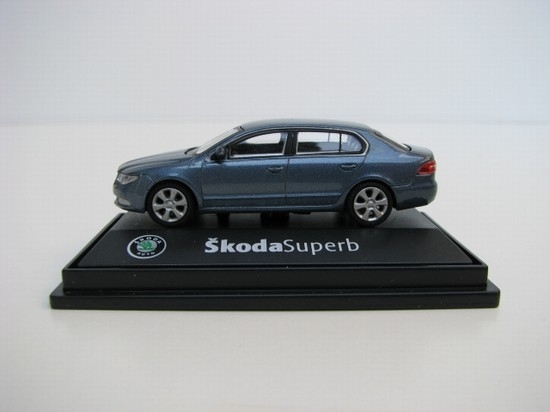 Škoda Superb II 2008 CE Gray Satin 1:72 Abrex