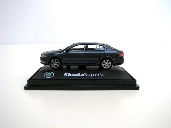 Škoda Superb II 2008 CF Anthracite Gray 1:72 Abrex