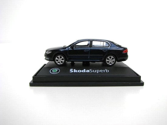 Škoda Superb II 2008 KC Storm Blue Met 1:72 Abrex