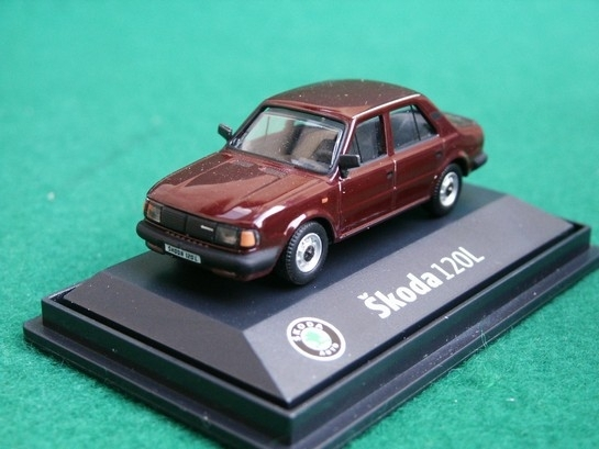 Škoda 120L 1984 Mahagon Red BE 1:72 Abrex