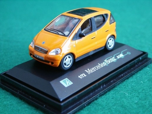 Mercedes-Benz A140 orange 1:72 Cararama