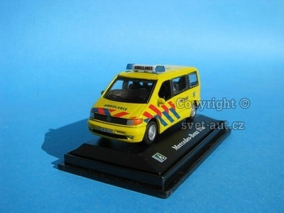 Mercedes-Benz Vito Ambulance 1:72 Cararama