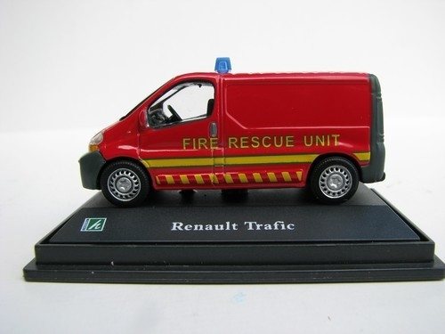 Renault Trafic Fire Rescue Unit 1:72 Cararama