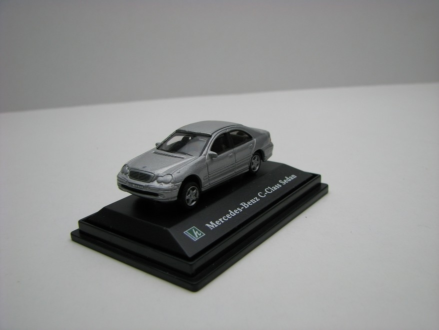 Mercedes-Benz C-Class sedan silver 1:72 Cararama