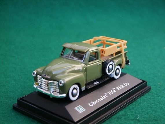Chevrolet 3100 Pick Up green 1:72 Cararama
