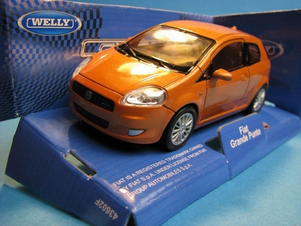 Fiat Grande Punto Orange 1:32 - 36 Welly