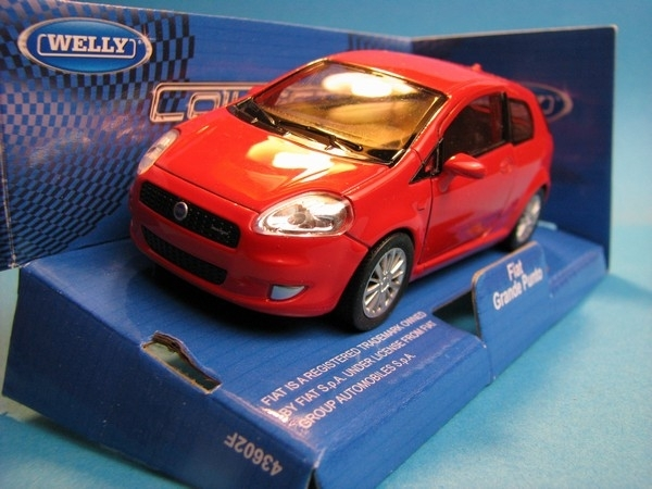 Fiat Grande Punto Red 1:32 - 36 Welly