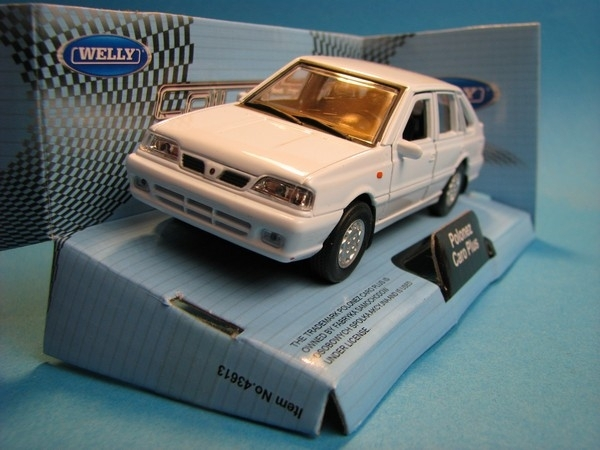 Polonez Caro Plus White 1:32-36 Welly
