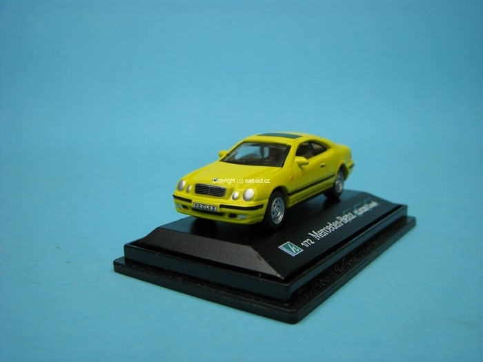 Mercedes-Benz CLK320 Coupé yellow 1:72 Cararama