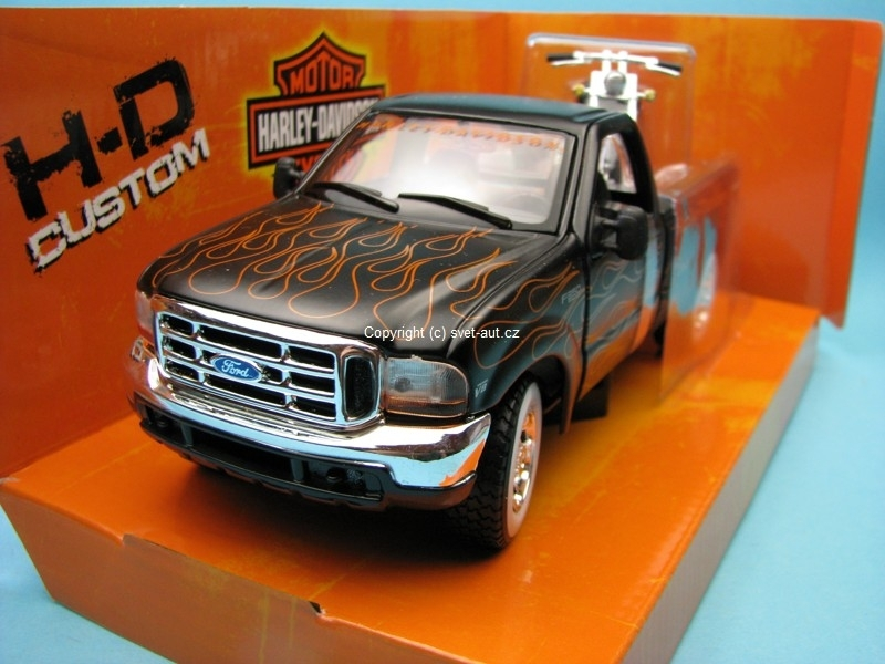 Ford F-350 1989 1:27 a FXSTB Night Train 2002 1:24 Maisto