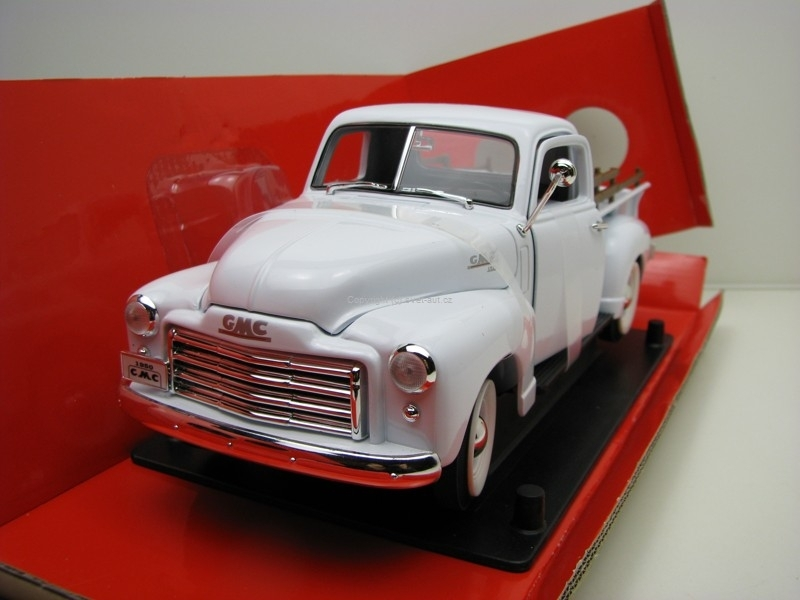 GMC Pick Up 1950 white 1:18 Yat Ming