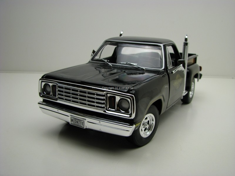 Dodge Pick Up Midnite Express 1978 1:18 Ertl Auto World