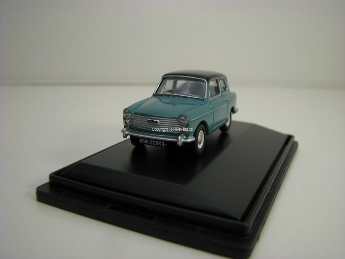 Austin A40 MKII Horizon Blue Black 1:76 Oxford