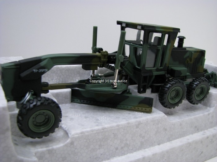 Caterpillar CAT 140 H Military motor grader 1:50 Norscot